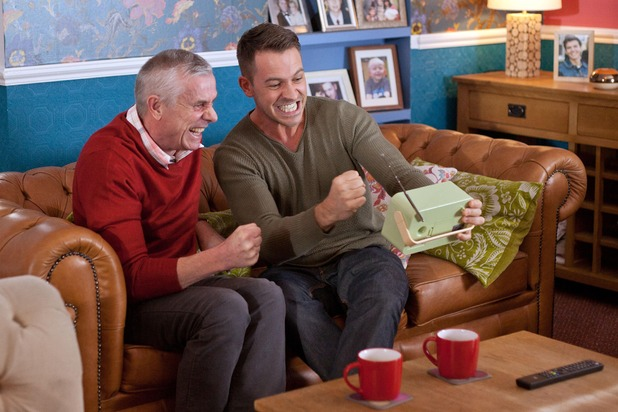 Hollyoaks, Darren and Jack bet on a horse, Wed 2 Mar