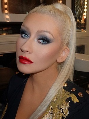 Christina Aguilera, behind-the-scenes of The Voice (USA), high ponytail, February 20, 2016