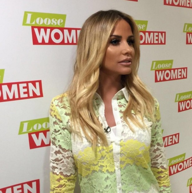 Katie Price show off yet another hair length on Loose Women thanks to Mikey Kardashian and Easilock Easi-tape, 16 March 2016