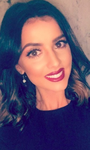 Lucy Mecklenburgh posts stunning selfie, 25 March 2016.