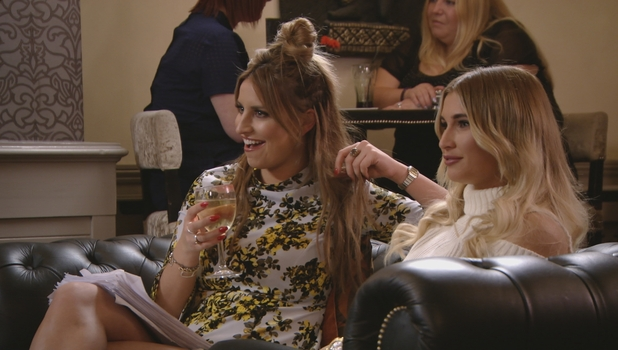 Ferne McCann returns to TOWIE, 3 April 2016.