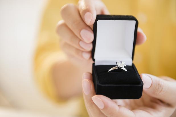 Darren proposed to Nat through bank statements