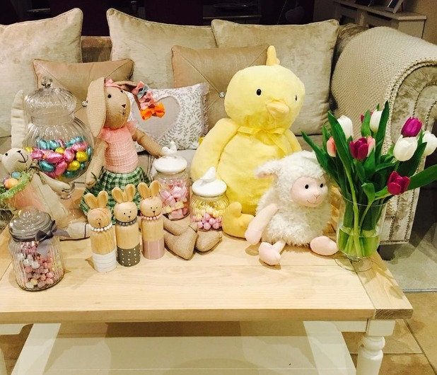 Billie Faiers Easter table display, 28/3/16