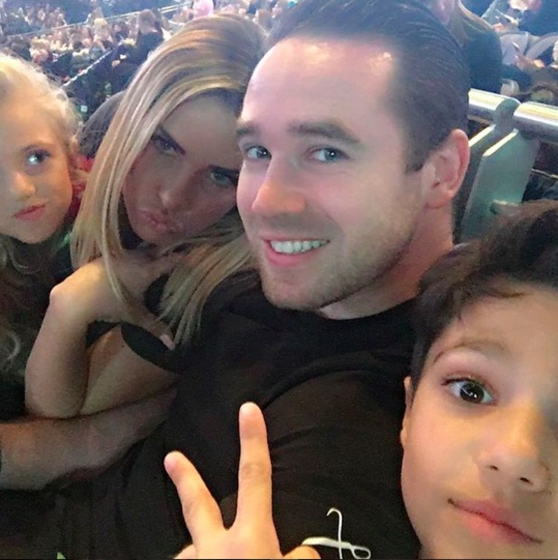 Katie Price and family watch The Vamps, 1 April 2016.