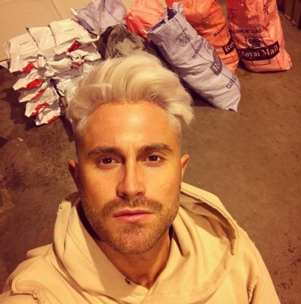 Ross Worswick dyes his hair platinum blonde, Instagram 28 March