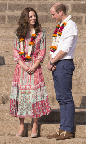 The Duke and Duchess of Cambridge are given a traditional welcome at Banganga Water Tank. 10 April 2016.