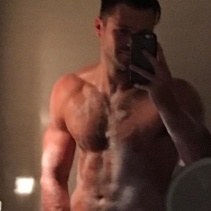 Mark Wright bath selfie, Instagram 27 April
