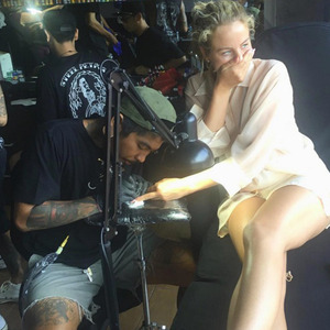Lydia Bright gets her first tattoo in Bali 9 May 2016