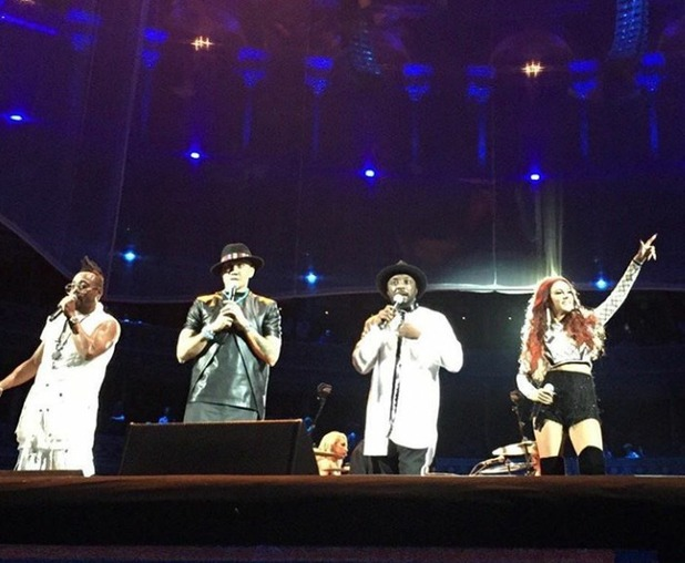 Lydia Lucy performing with Black Eyed Peas,12/5/16