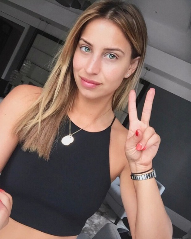 Former TOWIE star Ferne McCann posts no make-up selfie to Instagram, 11th May 2016