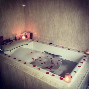 Danielle Lloyd's fiance treats her to a YSL handbag and a candlelit bath - 19 May 2016