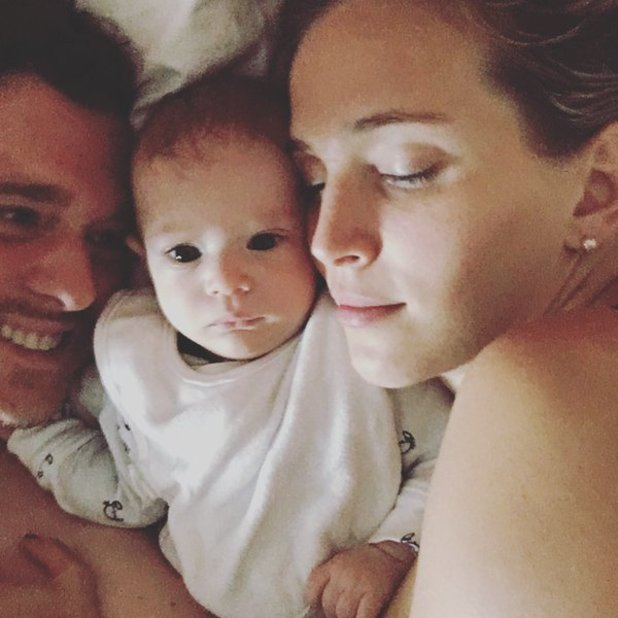Luisana Lopilato and Michael Buble cuddle son Elías in bed - 18 May 2016
