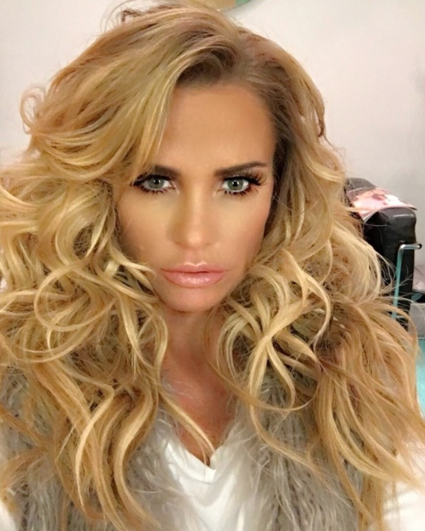 Katie Price wears her hair curly on Loose Women, 16th May 2016