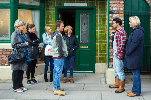 Corrie, the Platts and Grimshaws face-off, Mon 30 May
