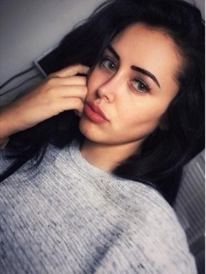 Marnie Simpson selfie May 2016