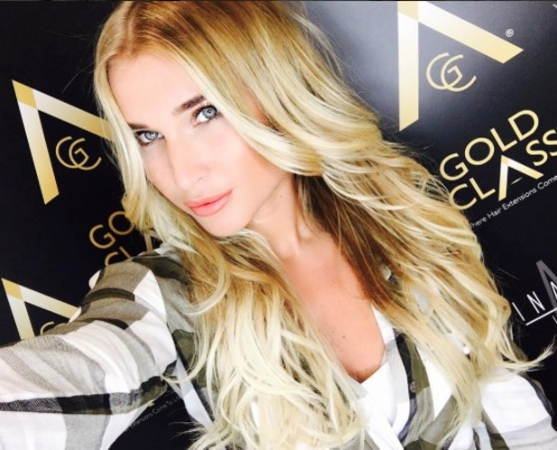 Billie Faiers shows off new Gold Class hair extensions, Inanch salon, London, 2 June 2016