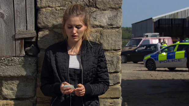 Emmerdale, Holly hides her drugs, Wed 22 Jun