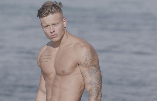 Alex Bowen, Love Island 15 June