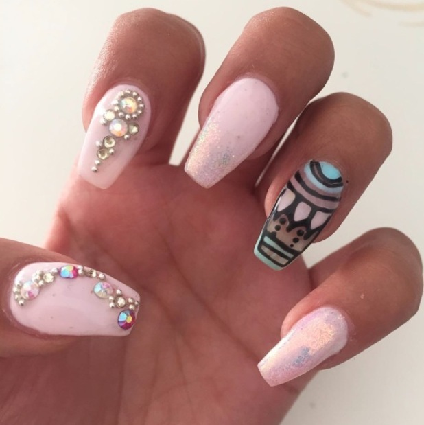 Jasmin Walia takes to Instagram to show off her long, natural nails, 17th June 2016