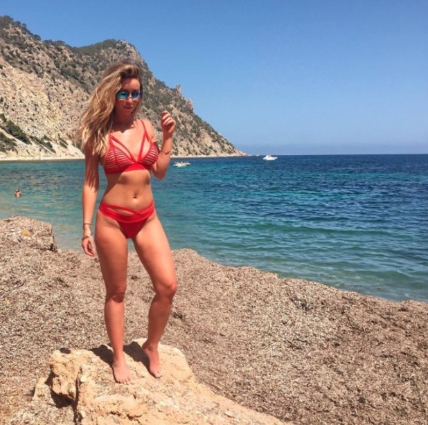 Former TOWIE star Lauren Pope wears Missguided bikini, shares on Instagram, 5th July 2016