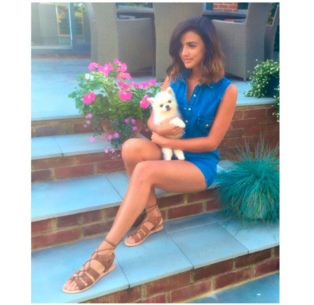 Former TOWIE star Lucy Mecklenburgh shows off her New Look sandals, Instagram, 11th July 2016