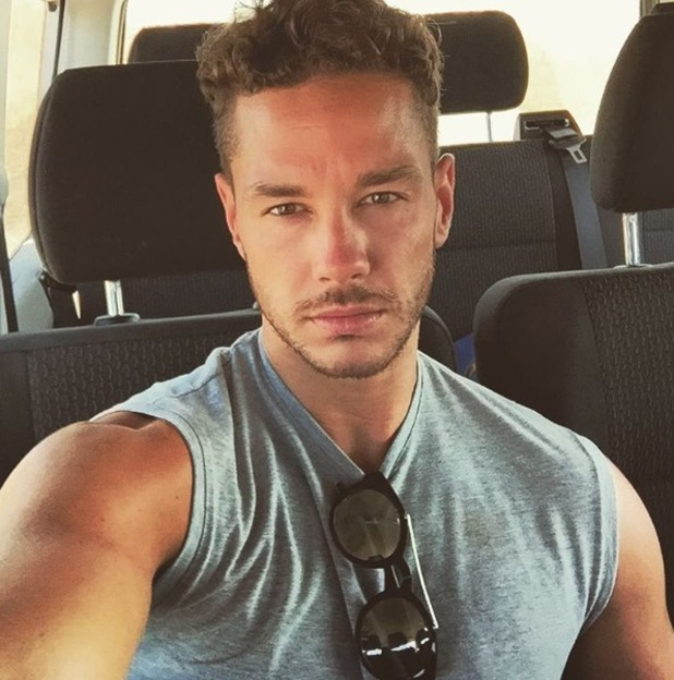 Scott Thomas shares first post Love Island selfie - 12 July 2016