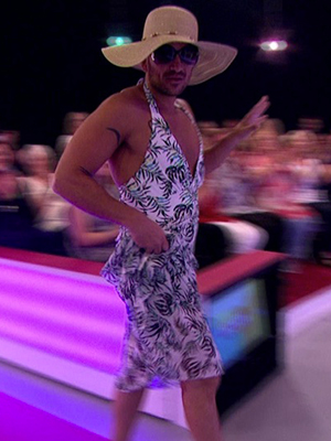 Peter Andre wears women's swimsuit on Loose Women, 15 July 2016