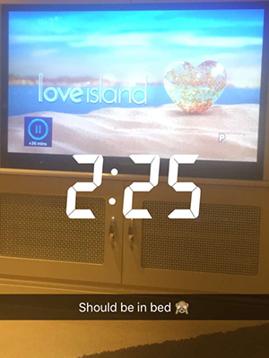 Love Island: Terry and Emma catch up on old episodes after elimination 10 July 2016