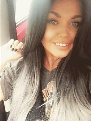 Scarlett Moffatt selfie, Instagram June 2016