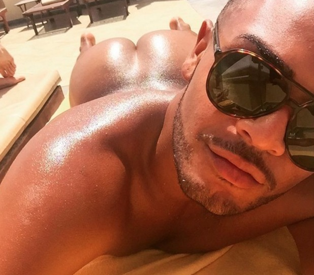 Geordie Shore star Nathan Henry bares bum on Instagram 22 August
