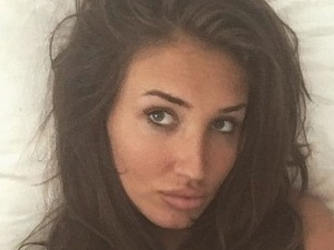 TOWIE's Megan McKenna is a real beauty in no make-up selfie!