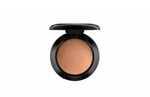 M.A.C eyeshadow in Amberlights £13 2 September 2016