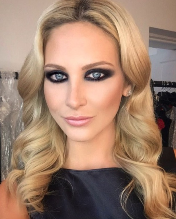 Stephanie Pratt looks sizzling hot with sexy, smoky eyes bts on photoshoot, by hair and make-up artist Carlos Palma, 31 August 2016