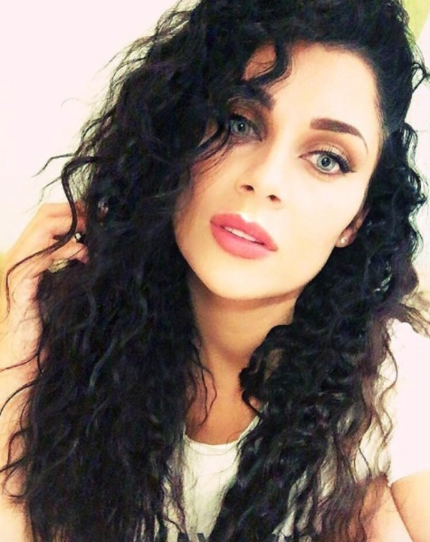 Cally Jane Beech rocks gorgeous curls after loosening her braided hair (by Dominic Ackah-Amihere), 28 August 2016