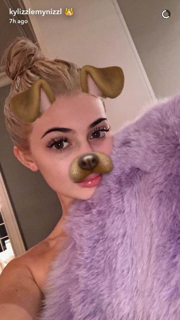 Kylie Jenner debuts blonde do