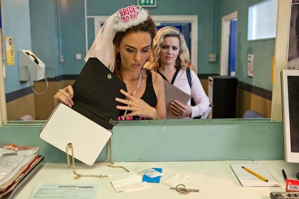 Hollyoaks, Joanne plants drugs on Mercedes, Wed 28 Sep
