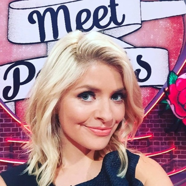 Holly Willoughby cuts her hair short and shares selfie on Instagram, 21 September 2016