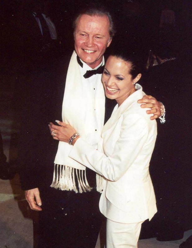 ANGELINA JOLIE AND JON VOIGHT AT THE 2001 VANITY FAIR OSCAR AFTER PARTY