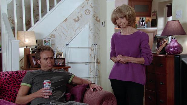 Corrie, Gail talks to David, Fri 30 Sep