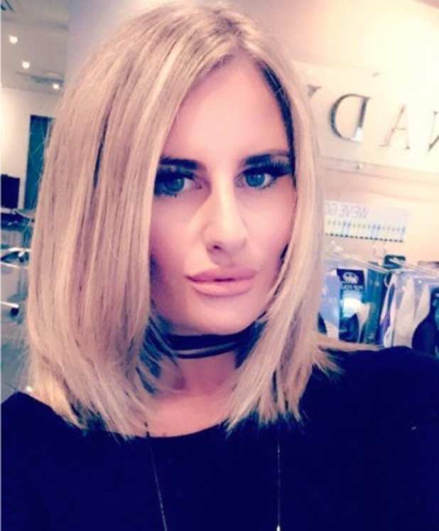 Danielle Armstrong shows off her lob, Easilocks extensions by Alex Garcia and Kennadys Salon, 16 September 2016