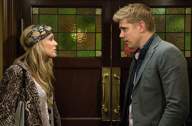 Emmerdale, Robert pushes Rebecca to act, Wed 12 Oct
