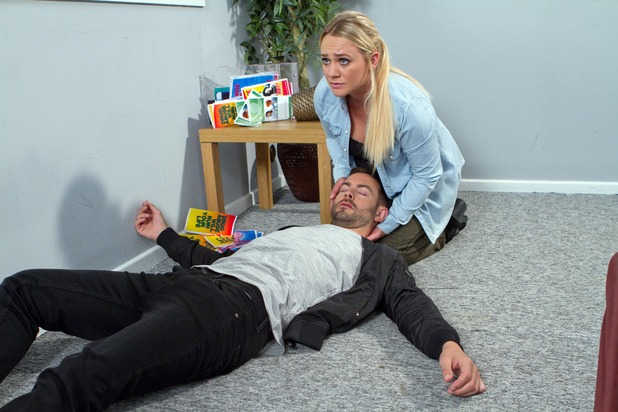 Hollyoaks, Cameron collapses, Wed 12 Oct