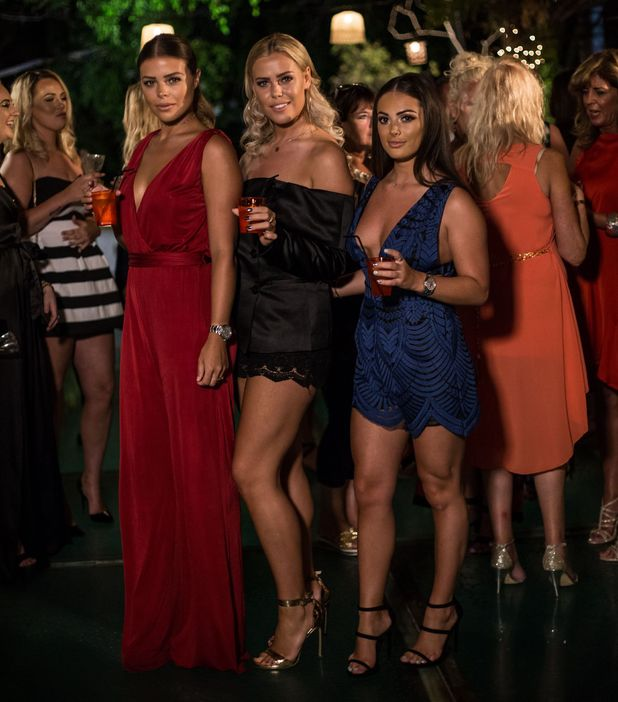 'The Only Way is Essex' filming, Marbella, Spain - 03 Oct 2016 Courtney Green, Chloe Lewis, Chloe Meadows