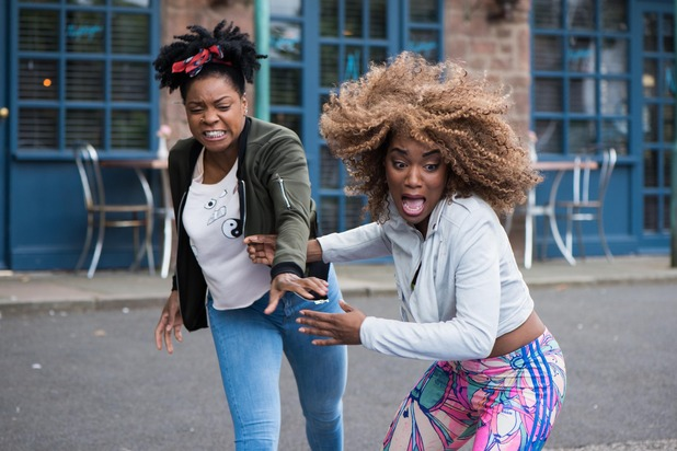 Hollyoaks, Sonia and Lisa fight, Wed 26 Oct