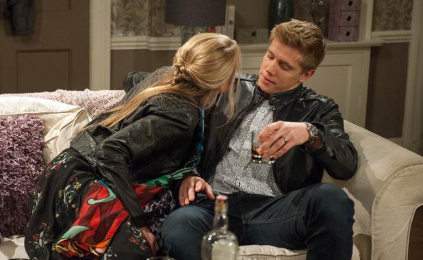 Emmerdale, Rebecca tries to kiss Robert, Tue 15 Nov