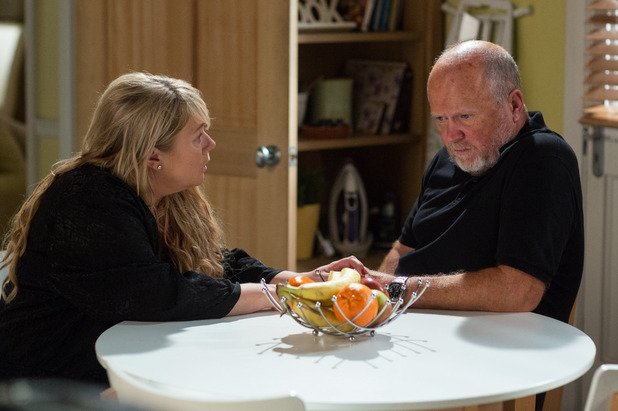 EastEnders, Sharon talks to Phil, Tue 22 Nov