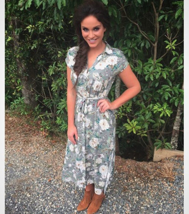 Vicky Pattison wearing Zara dress on I'm A Celebrity: Extra Camp, 16 November 2016
