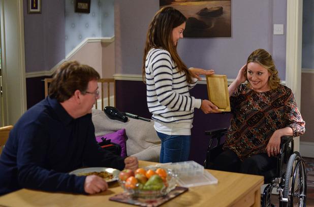 EastEnders, Stacey gives Jane a makeover, Fri 2 Dec