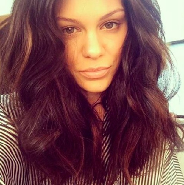 Jessie J looks beautiful with long, thick, wavy hair, 25 November 2016