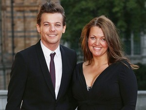 """One Direction star Louis Tomlinson's mum Johannah dies aged 43 after battle with """"very aggressive"""" form of leukaemia"""